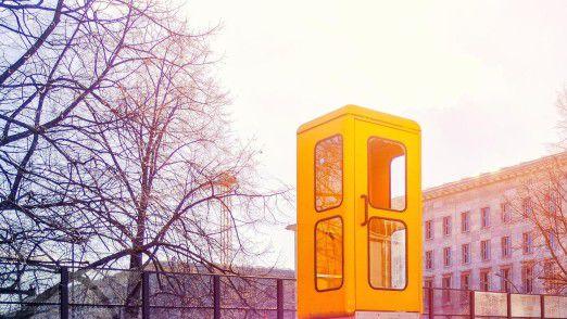 Noch nicht komplett verschwunden: Telefonzelle in Berlin.
