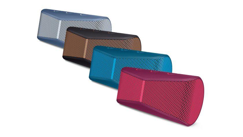 Am Gehäuse des Logitech X300 kann man die Bluetooth-Verbindung aktivieren und die Lautstärke variieren.