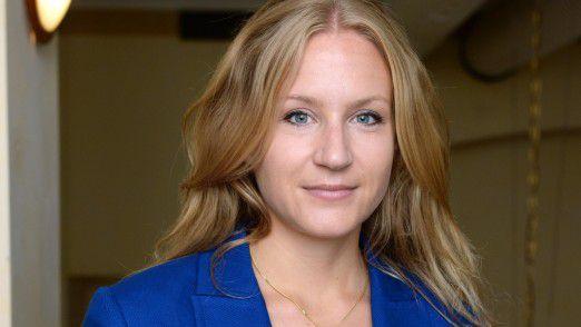 """Sabine Donauer ist seit 2013 Referentin am Bundesministerium für Bildung und Forschung, Abteilung """"Europäische und internationale Zusammenarbeit in Bildung und Forschung."""