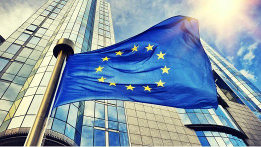 Die EU hisst eine Flagge für den Datenschutz.