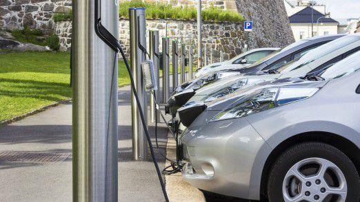 Die Telekom will den Ausbau des Ladenetzes für E-Autos in Deutschland vorantreiben.