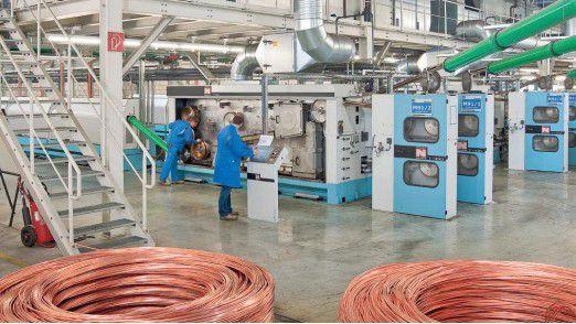 Rund 150.000 km Kupferlackdraht produziert Schwering & Hasse täglich.
