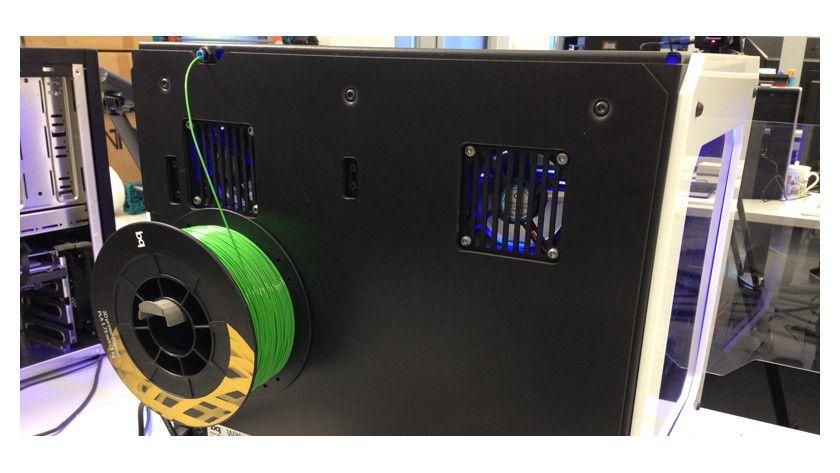 Simpel, aber wichtig: Eine korrekt eingehängte Materialrolle ist der erste Schritt zum erfolgreichen Objekt im 3D-Druck.