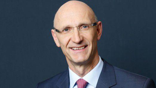 Telekom-Chef Höttges deutete auf der Aktionärsversammlung Veränderungen im Unternehmen an.