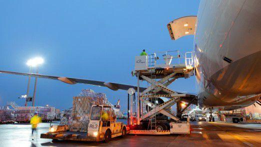 Frachtverladung beim Frankfurter Flughafenbetreiber Fraport