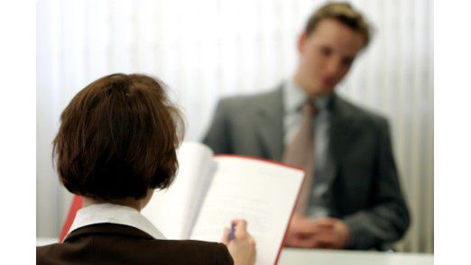Wer seine besonderen Stärken kennt, kann danach potenzielle Arbeitgeber identifizieren und sich auch unabhängig von aktuellen Stellenangeboten vorstellen.