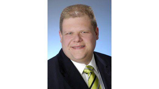 Analyst Wolfgang Schwab von der Experton Group beantwortet im Webcast Fragen zur virtuellen Zusammenarbeit.