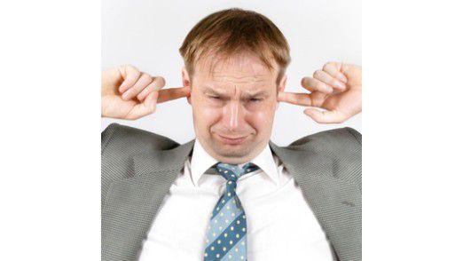 Ohren zu und durch: Wer nicht richtig zuhört, verpasst wichtiges Feedback.