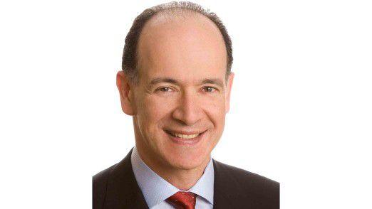 Enrique Salem, CEO von Symantec, sieht in den Problemen vieler Unternehmen mit Virtualisierung und Cloud Computing ein neues Geschäftsfeld für seine eigene Firma.