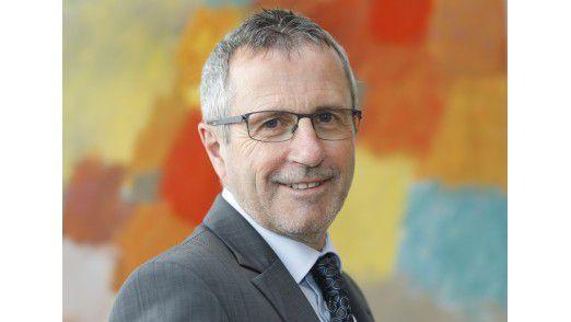 Wer wird der erste CIO? Im IT-Planungsrat ist - ohne den Titel - Herbert Zinell (SPD), Ministerialdirektor und Amtschef im Innenministerium.