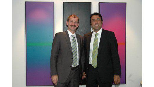 Johann Bizer, Vorstand Lösungen bei Dataport (links), und Kamyar Niroumand von der Software AG.