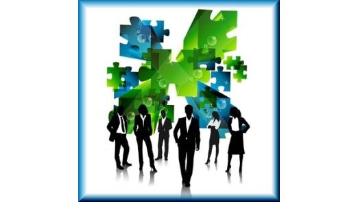 Via Integration von mobilen Geräten und Apps will die R+V Versicherung für eine bessere Zusammenarbeit der Mitarbeiter sorgen.
