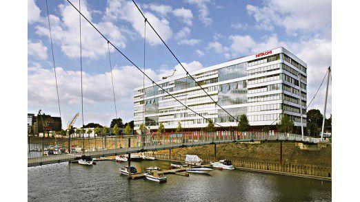 Mitten im Duisburger Innenhafen: die Firmenzentrale von Hitachi Power Europe.